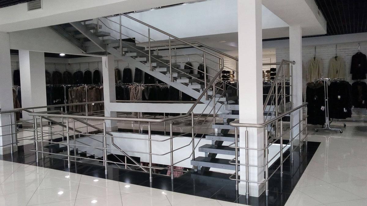 Нержавеющие перила в торговых центрах